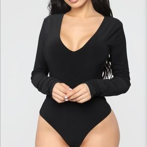 Black bodysuit, stretchy